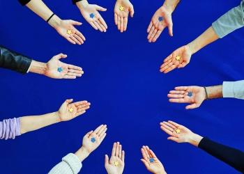 EU hands - European Solidarity