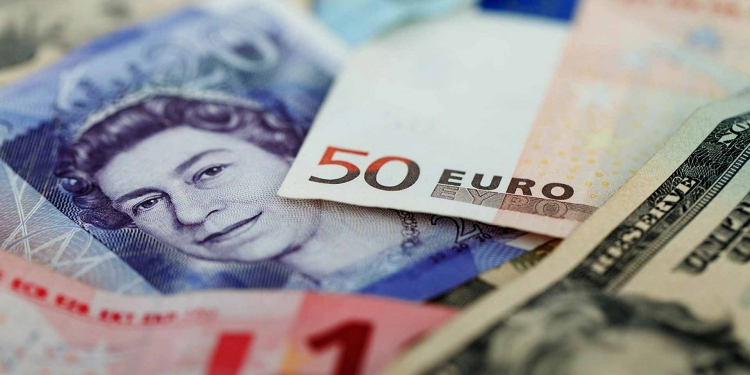 currencies GBP-pound Euro Dollar