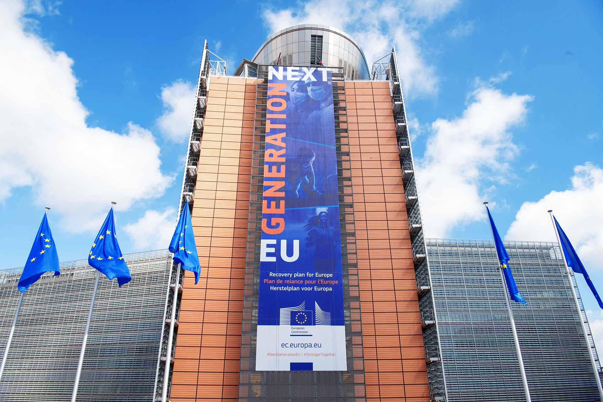 The banner -Recovery Plan for Europe- on the front of the Berlaymont building - MFF Budget and NextGenerationEU