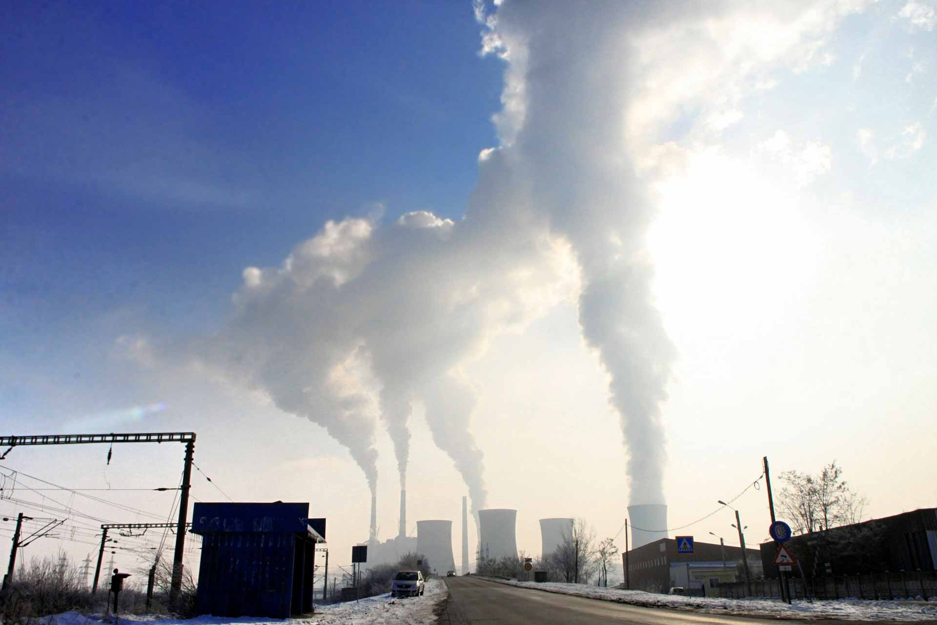 pollution-industry smoke CO2 carbon