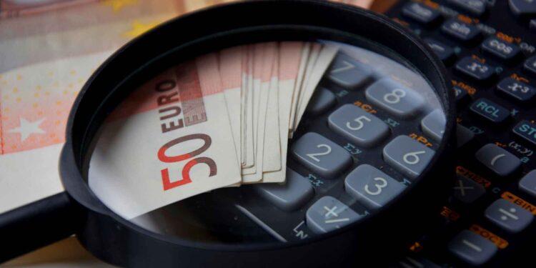 Accountant calculator Euro