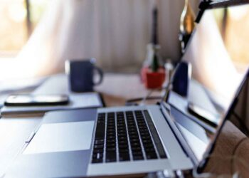 online-meeting home-teleworking laptop