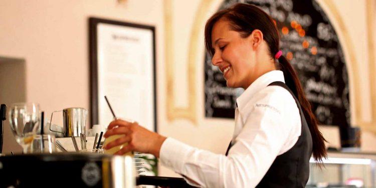 waitress-women in tourism