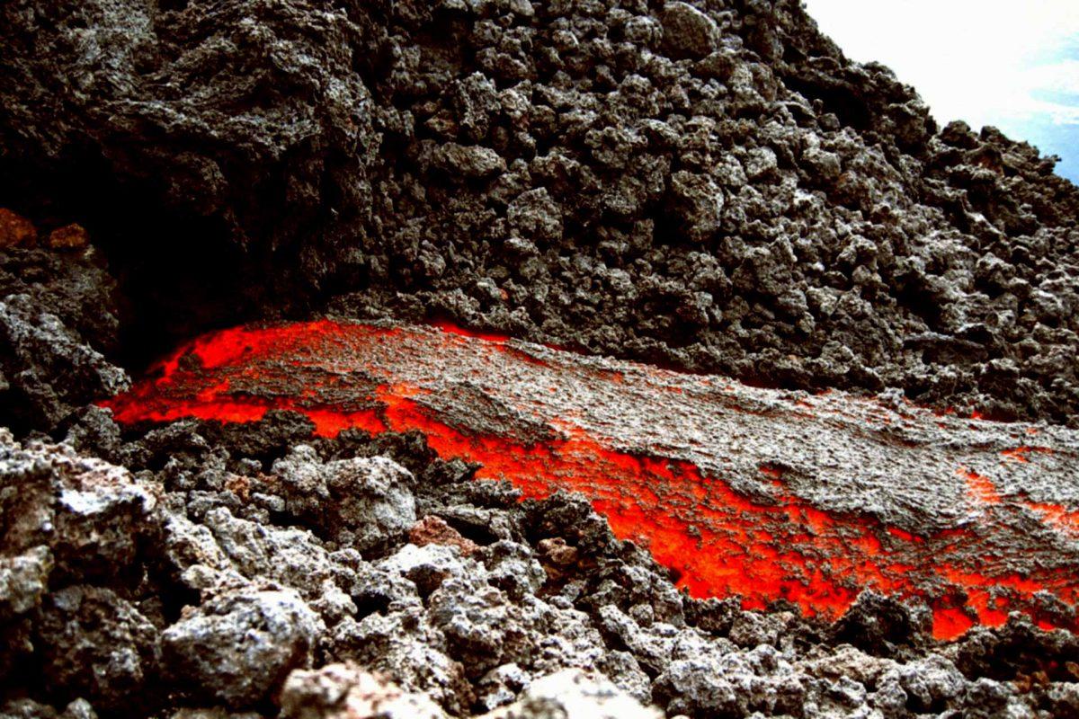 magma volcano explosion eruption